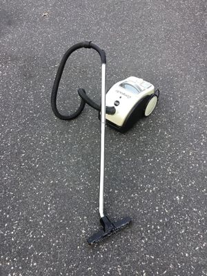 Canister vacuum cleaner for Sale in Concord, MA