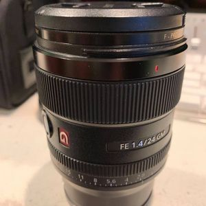 Sony 24mm FE f 1.4 for Sale in Huntington Beach, CA