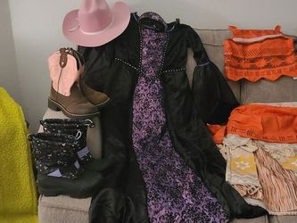 Girls Halloween Costumes/Dress Up Accessories for Sale in Fresno,  CA