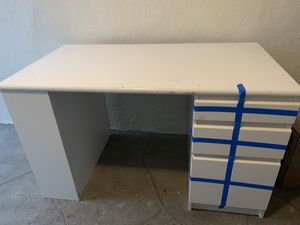 STURDY White desk for Sale in San Francisco, CA