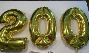 Number 2 & 2 ceros gold balloons for Sale in El Paso, TX