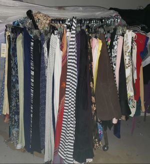 Womens Dresses, Skirts, Tops Coats and Shoes, Boots Purses Over a 1000 Items for Sale in St. Louis, MO