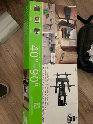 Full motion flat panel TV Mount 40-90 inch television for Sale in Brea, CA