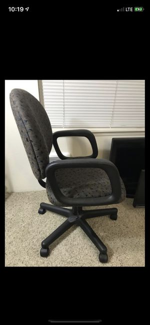 Desk chair for Sale in Vancouver, WA