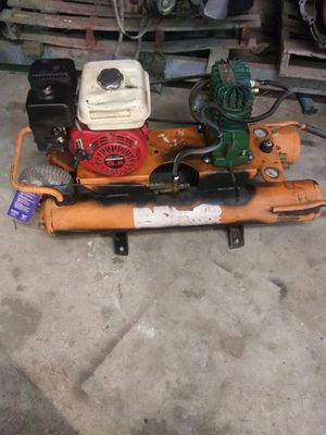 Gas operated air compressor for Sale in Wichita, KS
