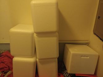 Brand new styrofoam ice chest $3 each with ice pack for Sale in Kennewick,  WA