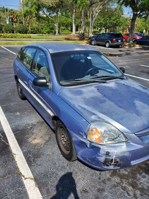 Kia rio cinco 2003 for Sale in Brandon, FL