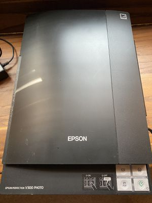 Epson Perfection V300 PHOTO SCANNER for Sale in Brentwood, TN