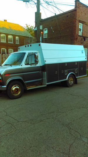 Ford F-350 truck/van 4$ale for Sale in Garfield Heights, OH