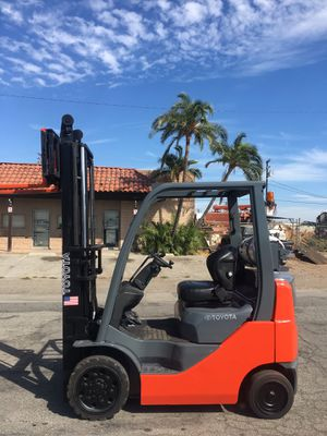 2010 forklift 4000lbs t.o.y.o.t.a for Sale in Anaheim, CA