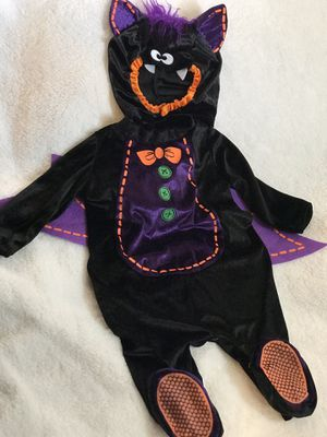 Little Bat Halloween Costume/ Infant 6-9 Months for Sale in Palmdale, CA