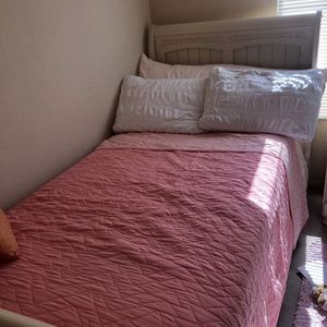 Twin Bed Set for Sale in San Diego, CA