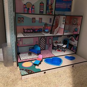 LOL DOLL HOUSE for Sale in Clovis, CA