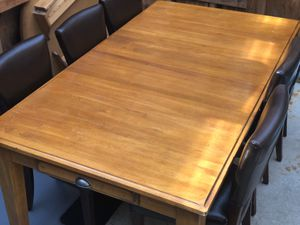 table kitchen 4 chairs for Sale in Bothell, WA