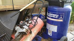 22 gal compressor and 5 gal for Sale in Stockton, CA