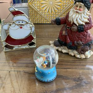Xmas decor -Snow globe-SANTAS for Sale in Las Vegas, NV