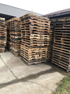 Loads of pallets. Will deliver for Sale in Raleigh, NC
