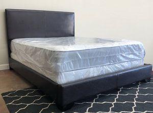 Queen contemporary bed plus queen size plush mattress for Sale in Grand Prairie, TX