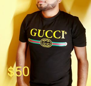 Brend new Gucci n Burberry tshirt for Sale in Paterson, NJ