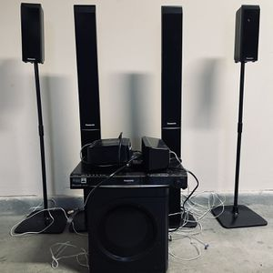 Panasonic Surround Sound DVD Home Theater System & Rear Wireless Speaker & 5 Disc Changer for Sale in Las Vegas, NV