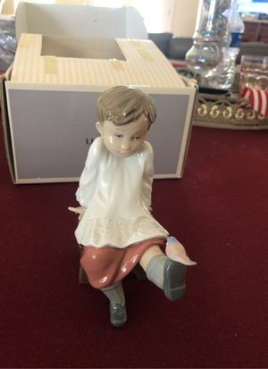 "Lladro - ""Talk To Me "" Altar Boy with Bird on Foot for Sale in La Mirada, CA"