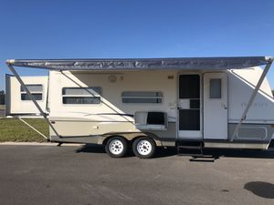 2005 keystone outback hybrid 25 foot bedroom slide out for Sale in Dundee, FL