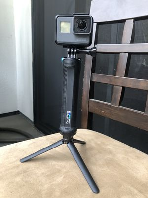 GoPro Hero 5 with GoPro Official Tripod for Sale in San Jose, CA