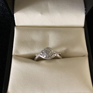 Ladies Diamond Ring for Sale in Beaverton, OR