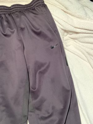 Nike sweatpants large thermafit for Sale in Racine, WI