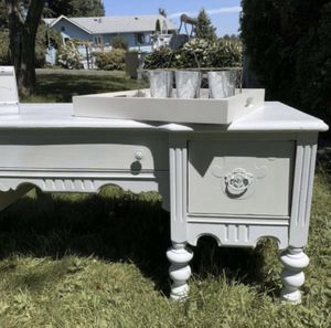 Shabby Chic Solid Wood White Coffee Table for Sale in Everett, WA
