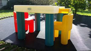 Little tikes craft table & chairs for Sale in Washington, DC