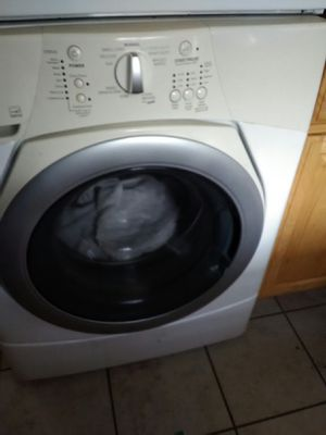 Maytag like new washer and dryer stackable for Sale in Forest, VA