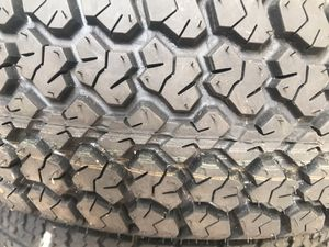 Tire trailer 225/75r15 new for Sale in Miami, FL