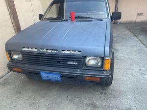 Nissan 1986 estas en buenas condiciones for Sale in Santa Ana, CA
