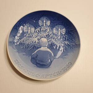 Used, Bing & Grondahl B&G Copenhagen Porcelain Jule After 1980 Happiness over the Yule Tree Plate #9180 for Sale for sale  Campbell, CA