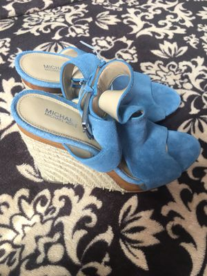 Women's shoes MICHAEL KORS 7 1/2M for Sale in Reedley, CA