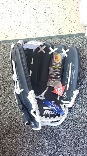Mizuno Softball Glove - Right Handed- Youth for Sale in Henderson, NV