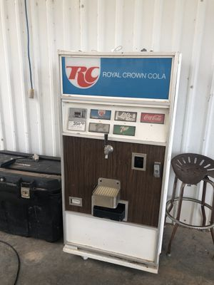 RC Cola working pony keg cooler. Cools great, have connections with CO2 bottle for Sale in Midland, TX