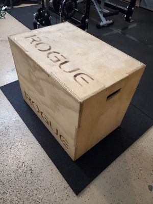 """Rogue fitness plyo box 20""""x24""""×30"""" for Sale in Bothell, WA"""