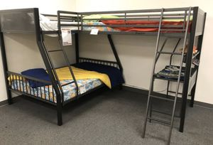 Twin/full bunk bed with twin/loft for Sale in Walnut, CA