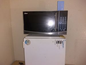 Microwave and frig for Sale in San Antonio, TX