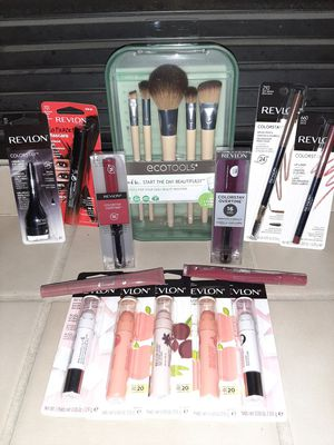 Makeup bundle for Sale in Spanaway, WA