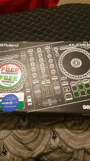 Roland serato DJ-202 for Sale in Atlanta, GA