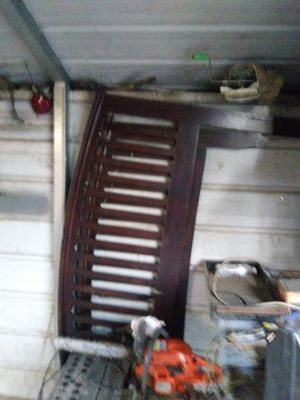 Queen size wood bed frame for Sale in Dalton, GA