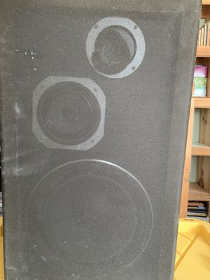 Kenwood Turntable and 2 Speakers and Sherwood RECIEVER for Sale in Newark, NJ