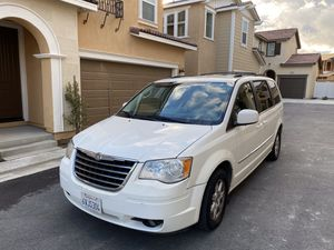2011 Chrysler Town & Country Minivan for Sale in Riverside, CA