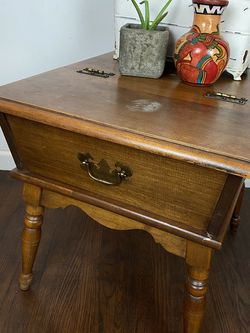 Vintage Mid Century Heywood Wakefield Maple Dough Box or Side/End Table for Sale in Los Angeles,  CA