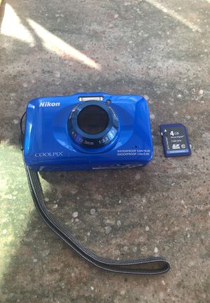 Nikon Coolpix digital Camera with 4g SD card and case for Sale in San Diego, CA