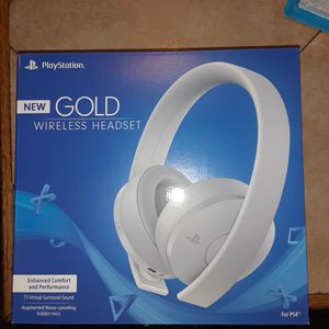 Ps4 Gold wireless headphones for Sale in Garland, TX