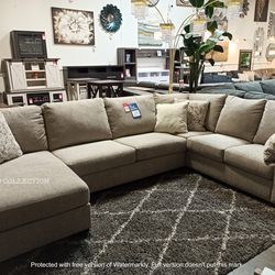 BARANELLO LARGE SECTIONAL INCLUDING DECORATIVE PILOWS. IN STOCK. DELIVERY AVAILABLE. for Sale in Santa Ana,  CA